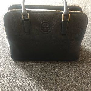 New Tory Burch handbag in black